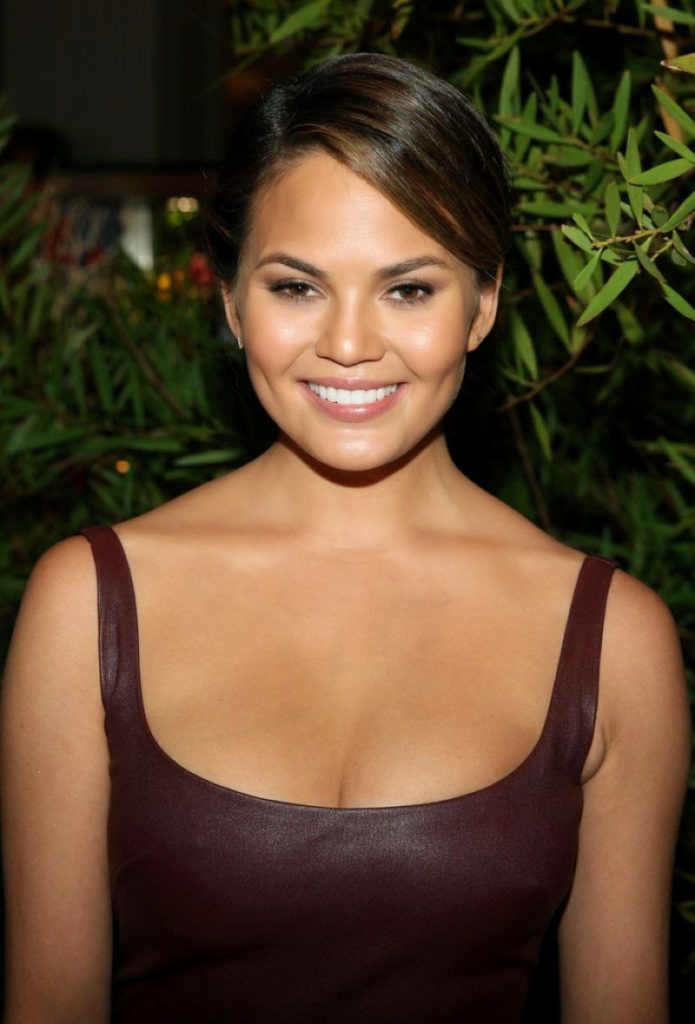 Chrissy Teigen to join Fashion Police