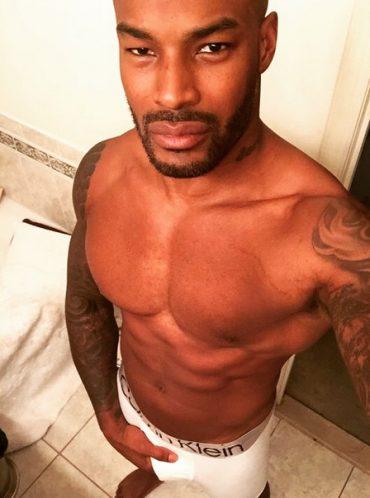 Tyson Beckford grabs his junk in new instagram Selfie