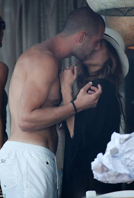 Nicole Scherzinger kissing Fulham football player Pajtim Kasami