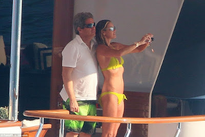 Elle  Macpherson 'The Body' shows off her toned bod on Billionaire Husband Yacht
