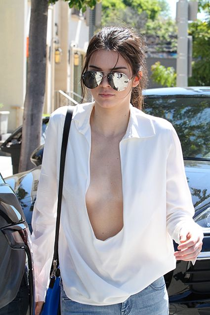 Kendall Jenner nude and display her Boobs