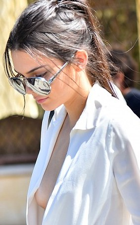 Kendall Jenner Goes Braless