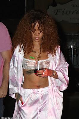 RihannawearsbraandpinkPjamastolateNightStudioSession2