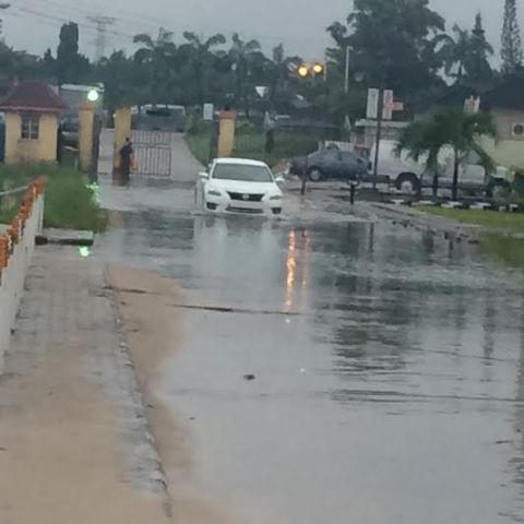 oh no,Chevy View Estate off Chevron Drive, Lagos after heavy rain