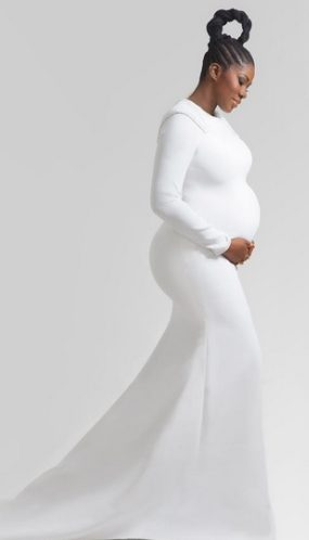 Pregnant Stephanie Linus sexy, and stunning in new photo shoot