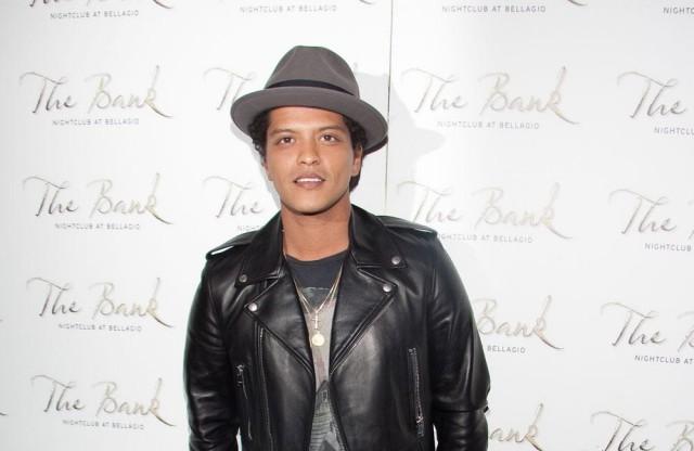 Bruno Mars to Perform at Half Time Super Bowl 2016