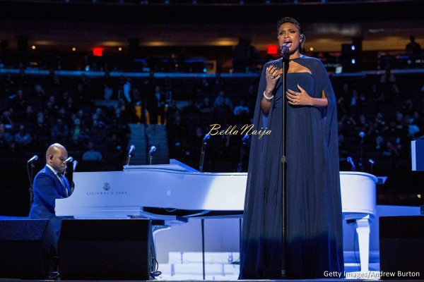 Jennifer Hudson's Sexy and Stunning in Prabal Gurug Outfit for her Performance at Madison Square Garden Mass is AWESOME