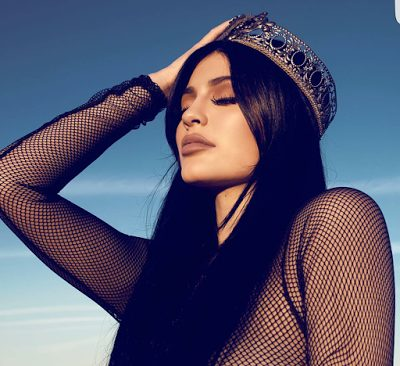 Kylie Jenner Gets Raunchy as she hits 40 million Instagram Followers