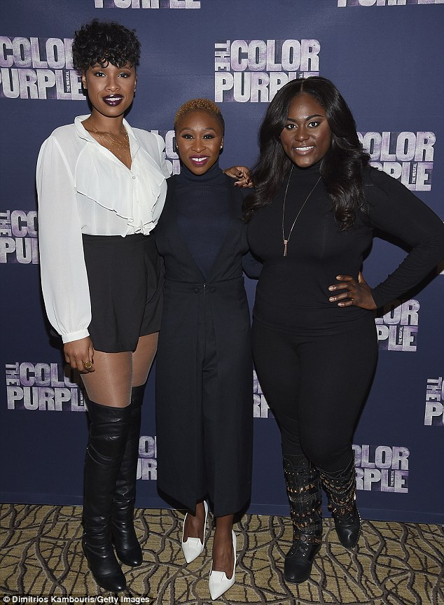 Jennifer Hudson Sizzles in leather boots with pleated shorts
