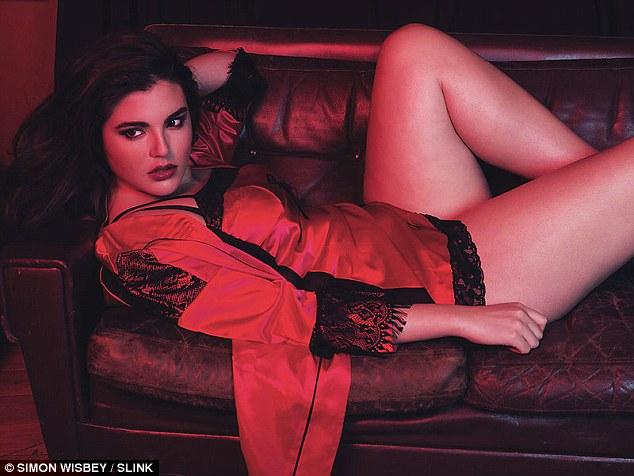 Alessandra smolders models for SLINK Magazine