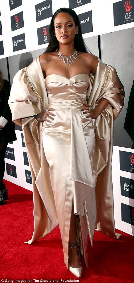 RihannaHotinaGoldenChristianDiorGownforherDiamondBallCharityDinner7
