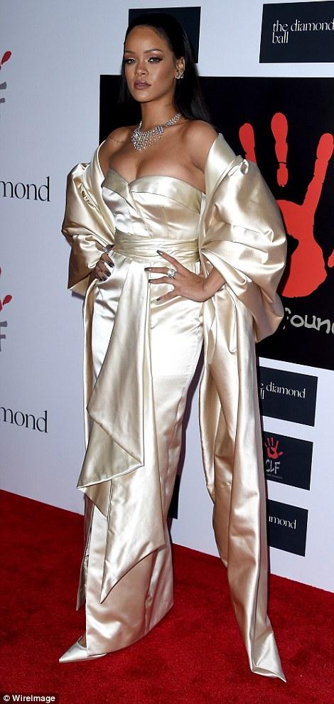 RihannaHotinaGoldenChristianDiorGownforherDiamondBallCharityDinner8