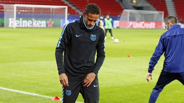 Neymar Jr Suffers A Slight Groin Injury