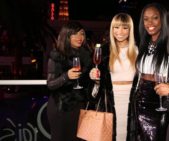Nicki Minaj Looks whitenicious In New Photo