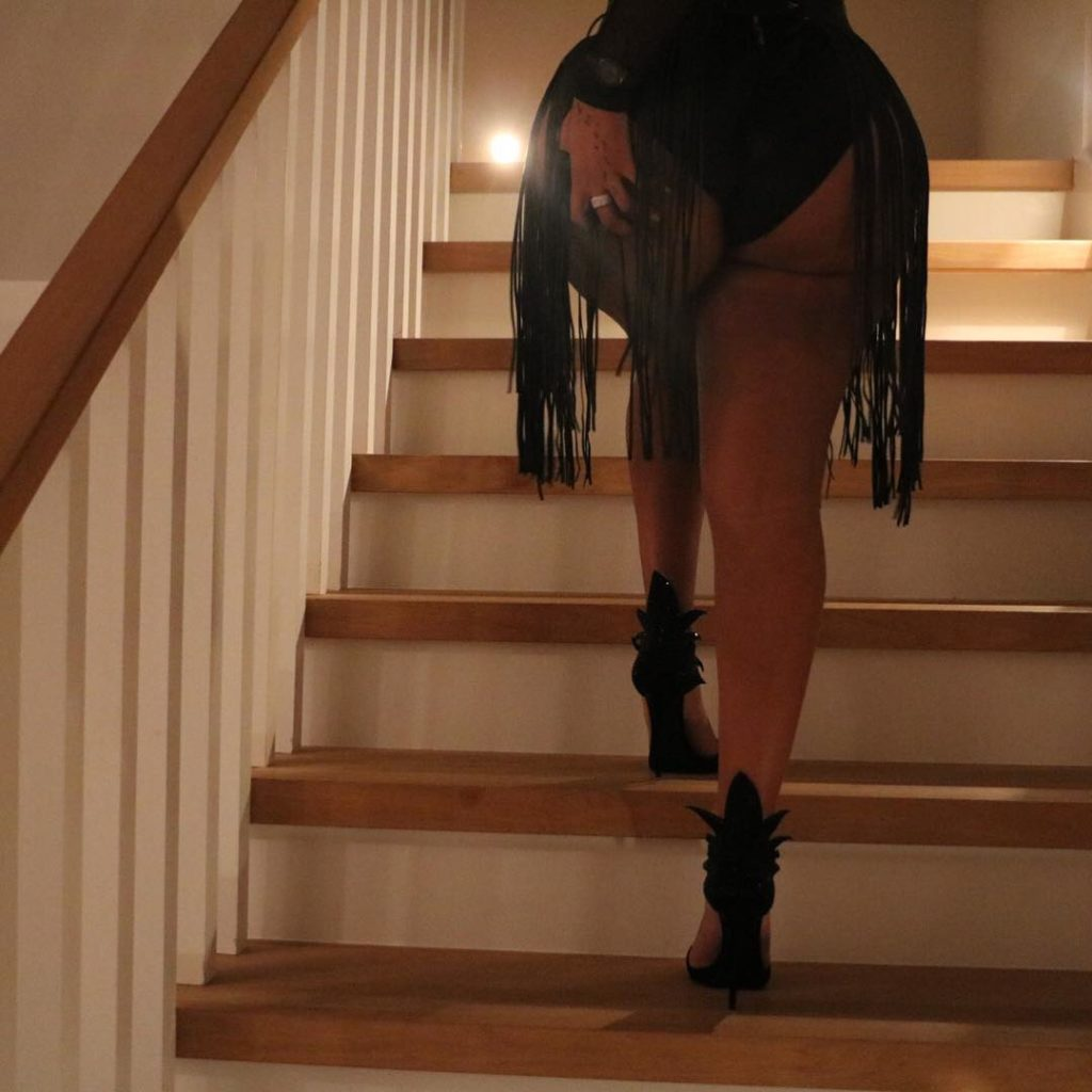 K Michelle Goes more Raunchy,as she Grabs Her Butt in New Photos