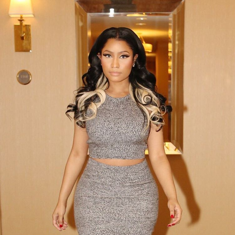 Nicki Minaj sizzles in new Photos, as she shows of her catwoman Eye Lashes