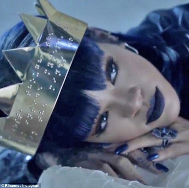 Rihanna's album ANTI reaches 1 million free downloads in 14 hours after  Tidal 'accidentally' leaks LP