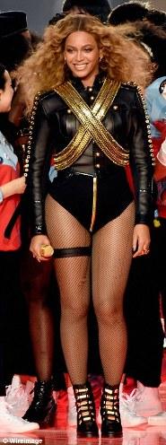 BeyoncetakesinspirationfromMichaelJackson27s1993look2