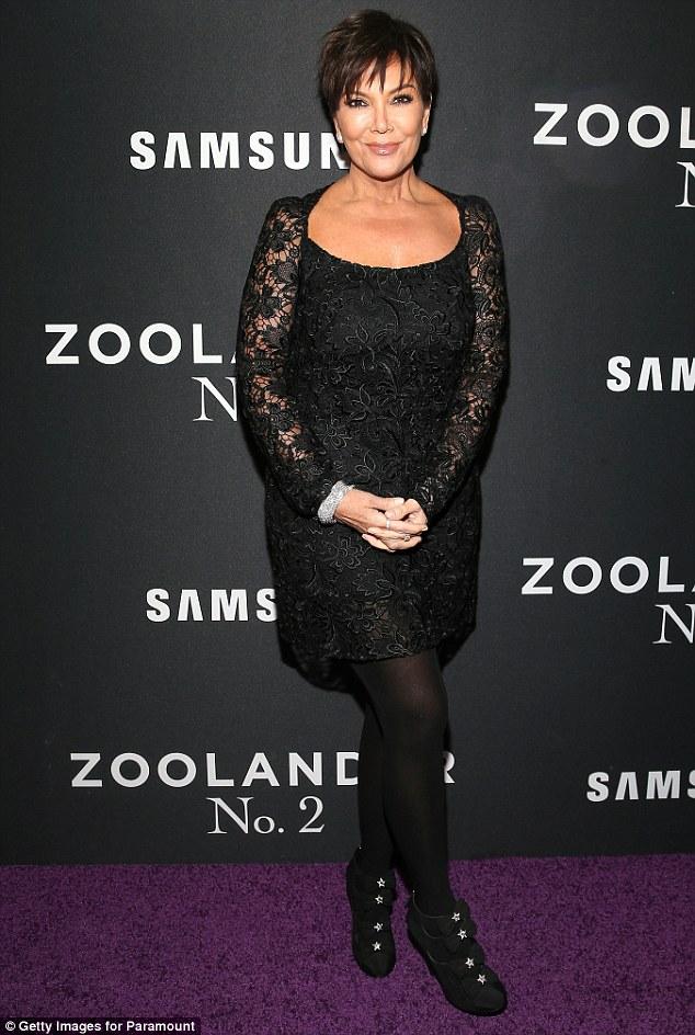 Kris Jenner Undergoes Hand Surgery, Promotes Chrissy Teigen's Cookbook,Carvings