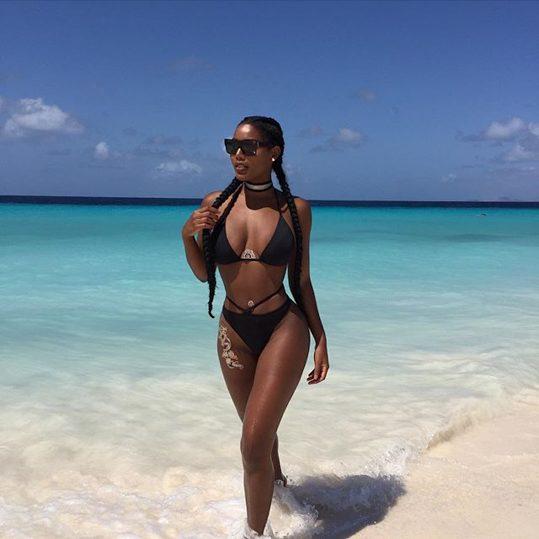 Monifa Jansen Rauncy, hot and Sexy in New Bikini Photoshoot
