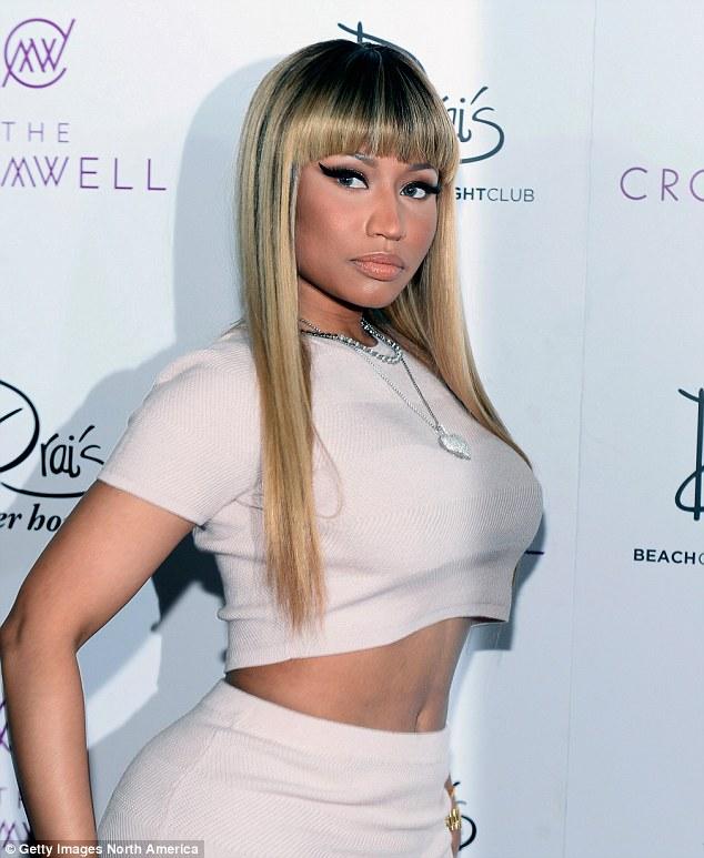 Nicki Minaj Debunks Fakes Stories that she and BF Rapper Meek Mill Broke up, say S/O