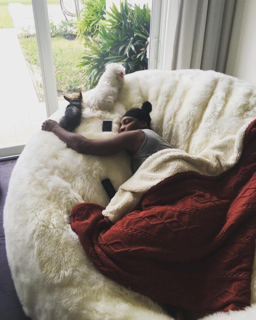 Serena Williams Sleeps on a Ultimate Beanbag