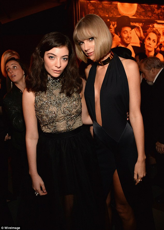 Singer Lorde and BFF Taylor Swift looked Smashing Hot at the Vanity Fair Oscar AfterParty