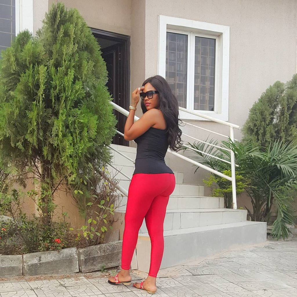 Daniella Okeke shares Photo  of her Sexy Ass In Red Tight Leggings, says they are Standing Strong
