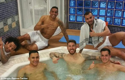 Real Madrid Player Enjoy Life Inside a Jacuzzi Dip