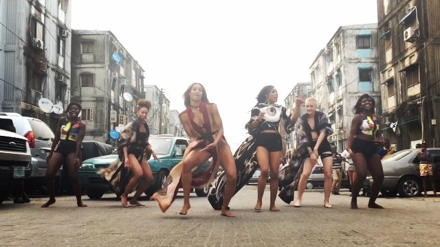 Watch Ciara Dance to Iyanya's Kukere song, Olamide's Skakiti Bobo and also Tekno's Song Duro at Dolphin Estate Lagos(VIDEO)