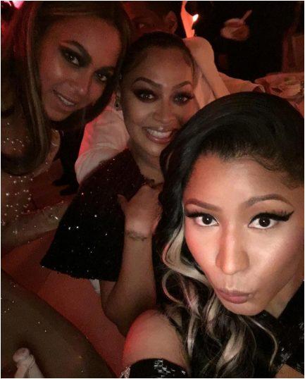 Nicki Minaj takes Selfie with Beyonce, Lala Anthony at the MET Gala 2016