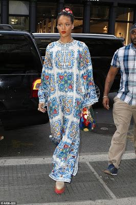 RihannaSexyinBillowyPatternedKaftanMax DressassheGoesShoppinginNYC28129