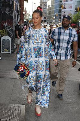 RihannaSexyinBillowyPatternedKaftanMax DressassheGoesShoppinginNYC28529