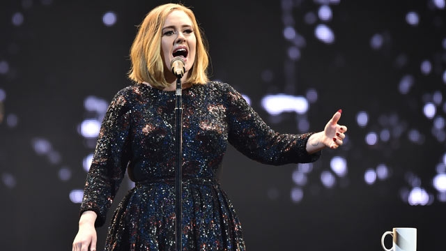 Adele Sheds heavy tears during her concert, dedicates the whole show to Orlando victims