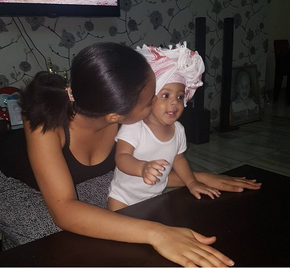 Flavor's baby Mama Anna Banner shares Adorable Photo of her Kissing her Daughter Sophie