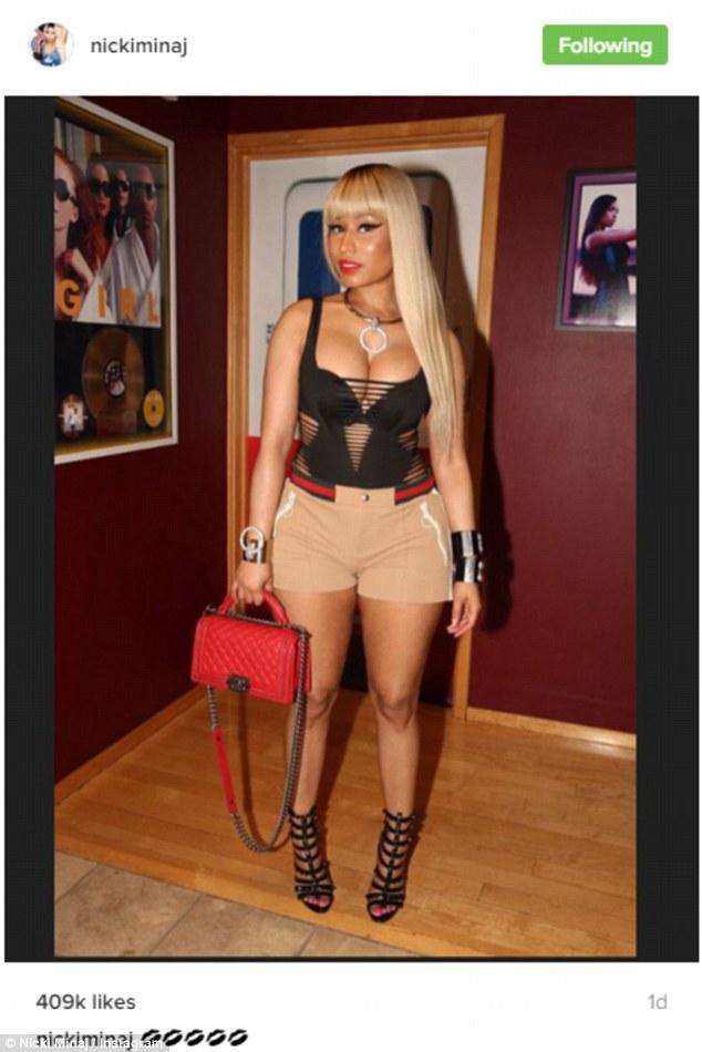 Nicki Minaj Hang out with BF Meek Mill at a Strip Club