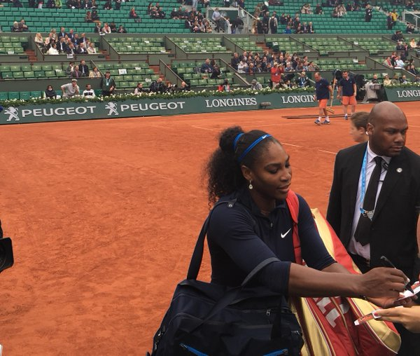 Business Concluded in 62 minutes, as Serena Sign Autographs at the 2016 French Open 4 round