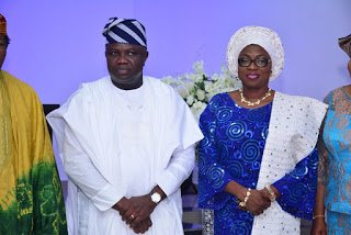 Ambode breaks down in tears as APC bigwigs settle for Sanwo-Olu