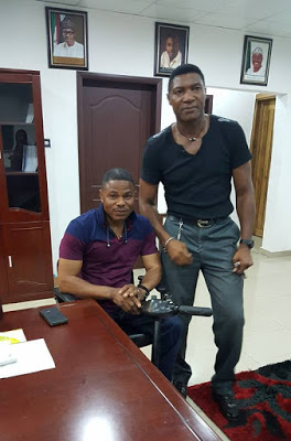 High-life Musician Yinka Ayefele Hang out with Legendary Former Super Eagles Goalkeeper Peter Rufai
