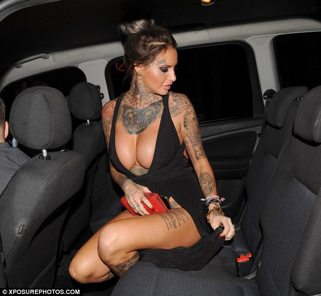Jemma Lucy puts her Ample Cleavage on display