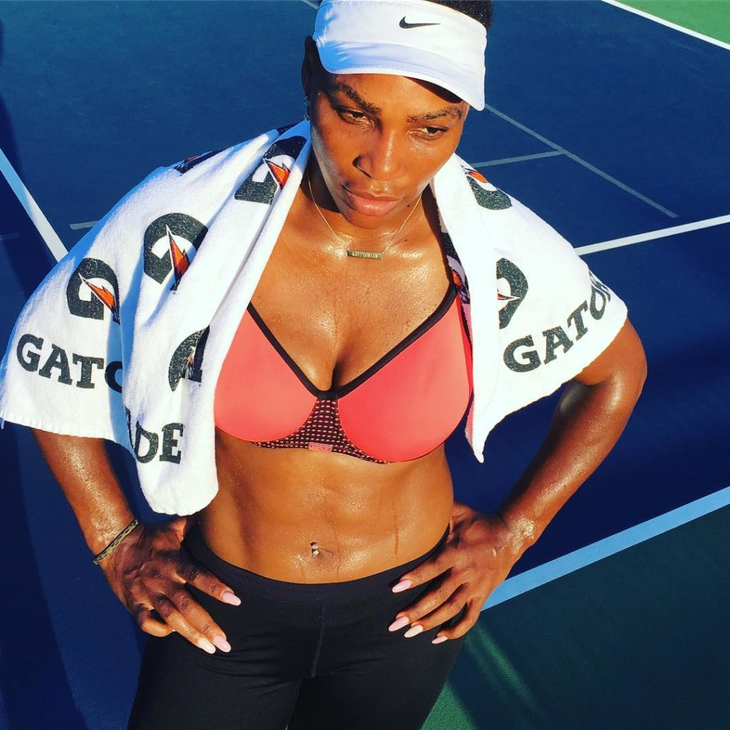 Serena Williams Shows off her Boobs Sweating While Practicing on Court