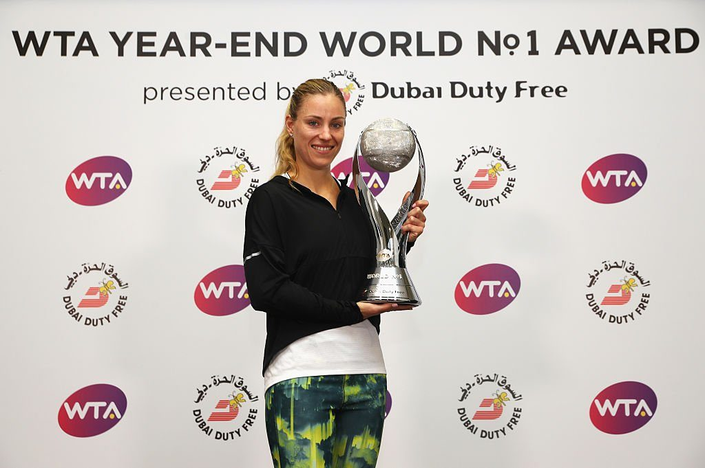 Angeligue Kerber Receives year-end wta no. 1 trophy, ring