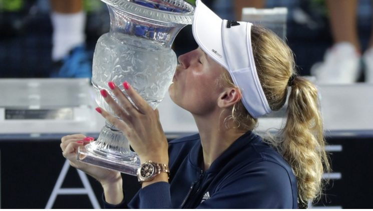 Too Hot to Handle, as Caroline Wozniacki wins her Second Title In a Month at Hong Gong