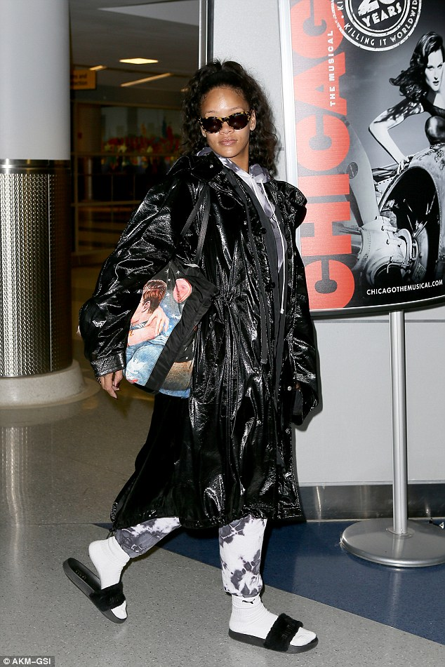 Rihanna looks Flawless in Make Free arriving at the JFK Airport