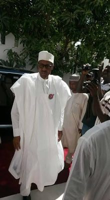 President Buhari Arrives Gambia Ahead of Meeting with President Jammeh to reach a solution in the country's political crisis