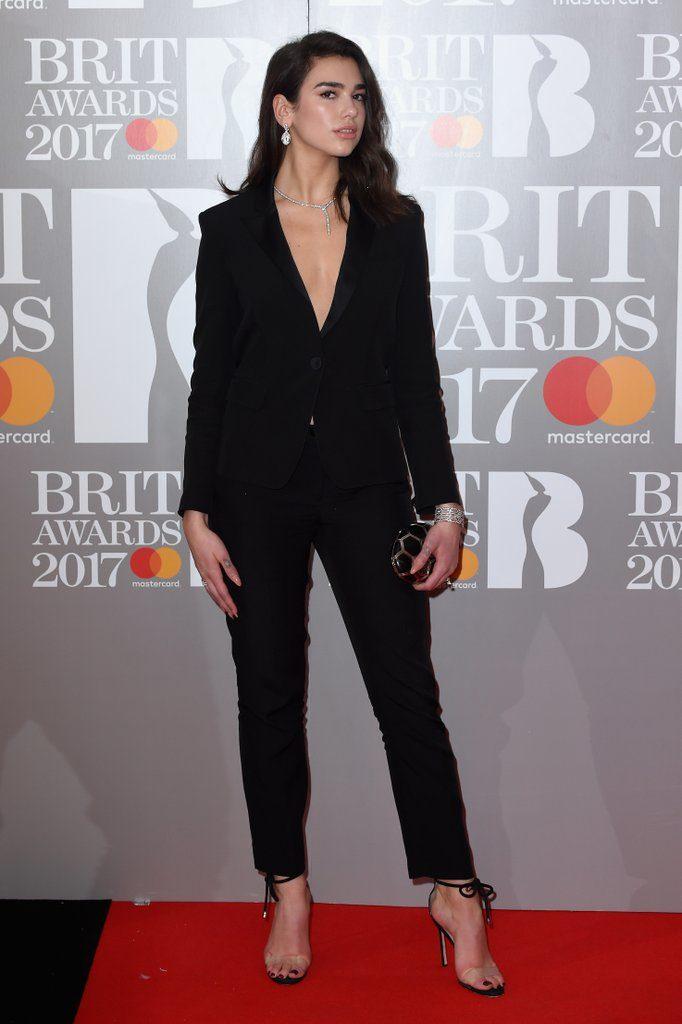 Brits Awards 2017 Red Carpet Photos