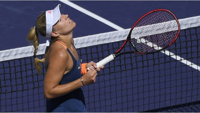 Angelique Kerber Outlasts Pauline Parmentier 7-5,3-6,7-5 at WTA Indian Wells Masters 2017