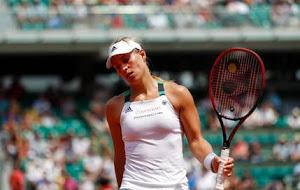 World No. 1 Angelique Kerber Suffers Shock Defeat, loses 6-2, 6-2 to Ekaterina Makarova