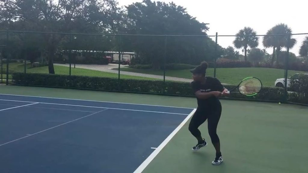 Serena Williams Playing Tennis again with some extra power While 7 months Pregnancy (video)