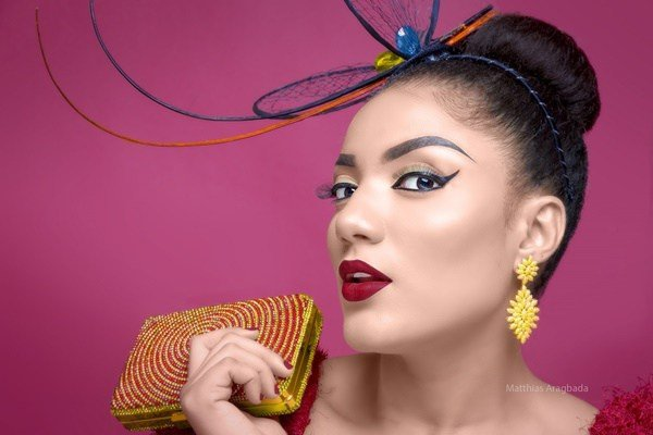 Gifty steps out Braless without pant